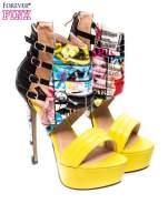 Żółte szpilki na platformie w multi magazine print                                  zdj.                                  2