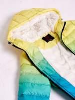 Żółto-niebieska kurtka ombre z futrzanym kołnierzem